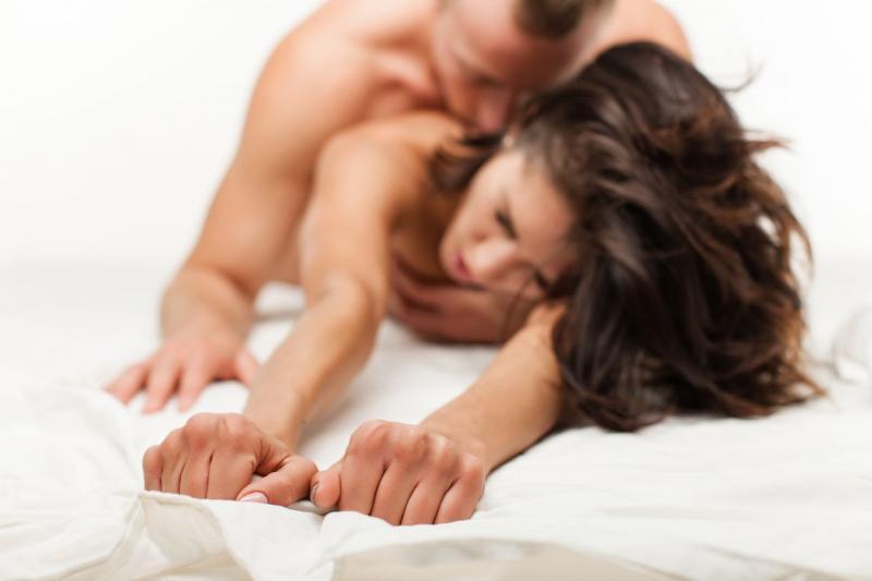 Какие позы нравятся женщинам при групповом сексе
